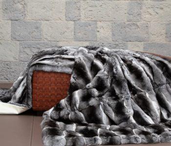 Chinchilla Fur Blanket on Belvoir Woven leather Ottoman